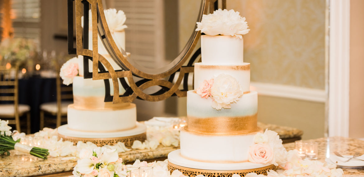 A glamorous spring wedding and a cake by Cinderella Cakes